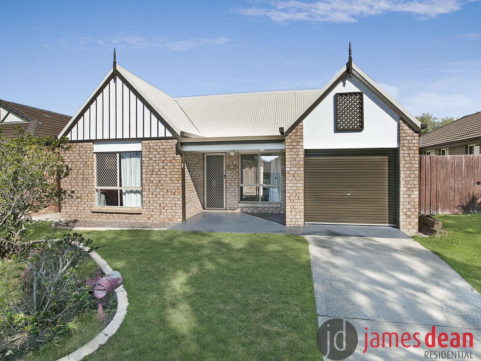 Recently Re-painted & Re-Carpeted Tingalpa Home With Architectural Styling