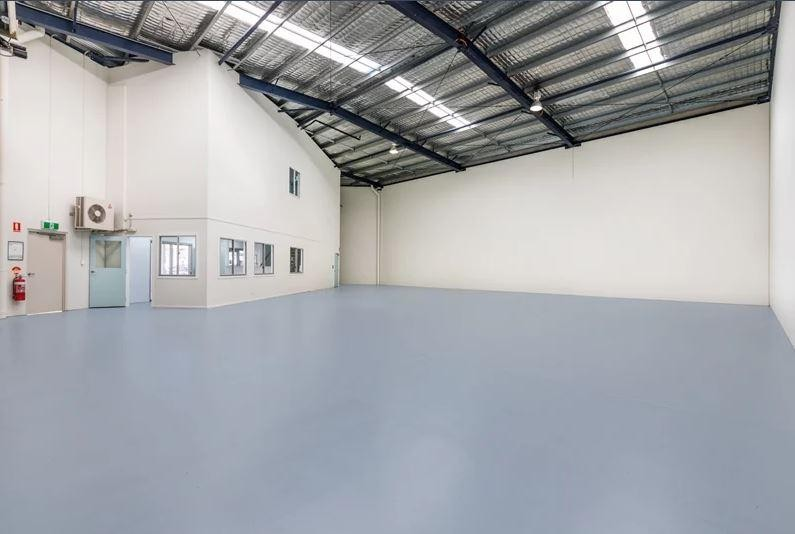 434sqm Office/Warehouse in Great Complex